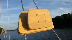 New holder for the aft lantern